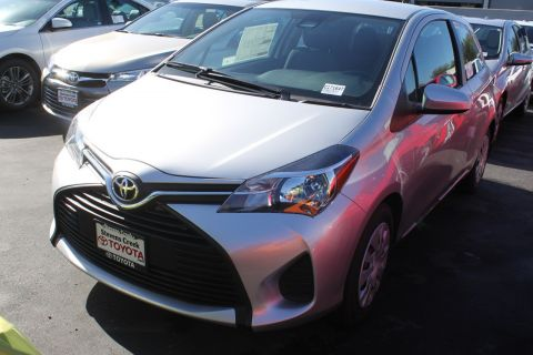 New 2017 Toyota Yaris L FWD 3D Hatchback