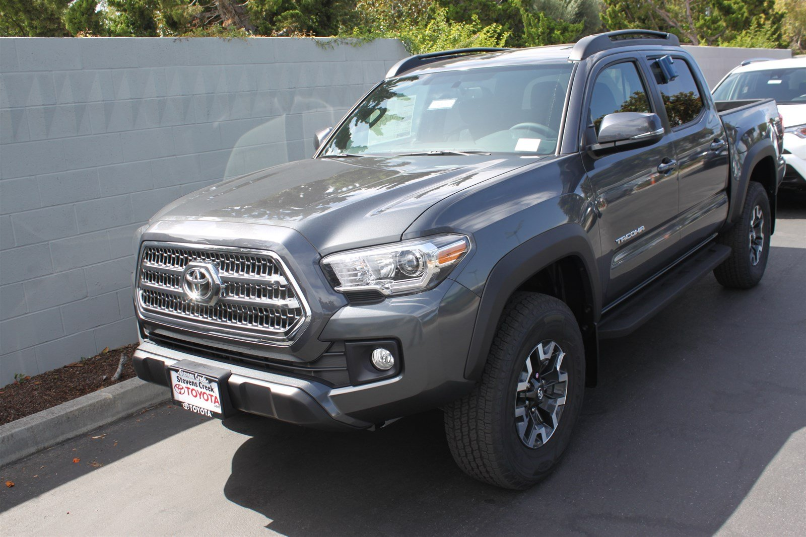 new 2017 toyota tacoma trd off road double cab in san jose t170055 stevens creek toyota. Black Bedroom Furniture Sets. Home Design Ideas