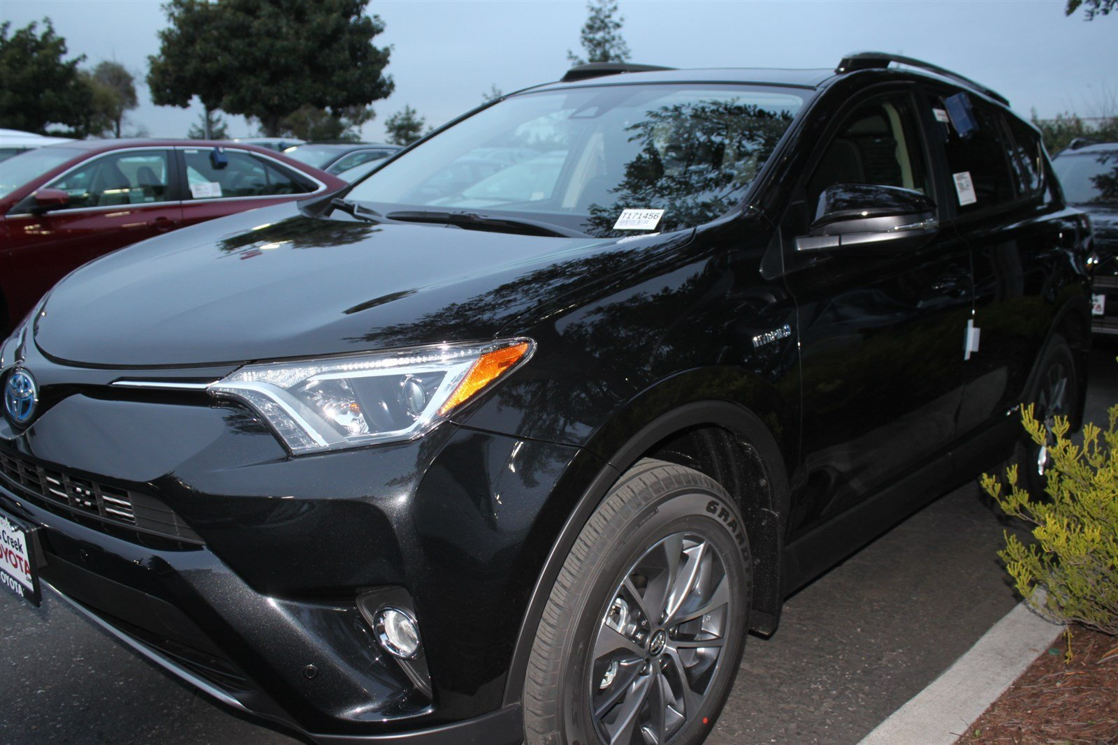new 2017 toyota rav4 hybrid xle sport utility in san jose t171456 stevens creek toyota. Black Bedroom Furniture Sets. Home Design Ideas