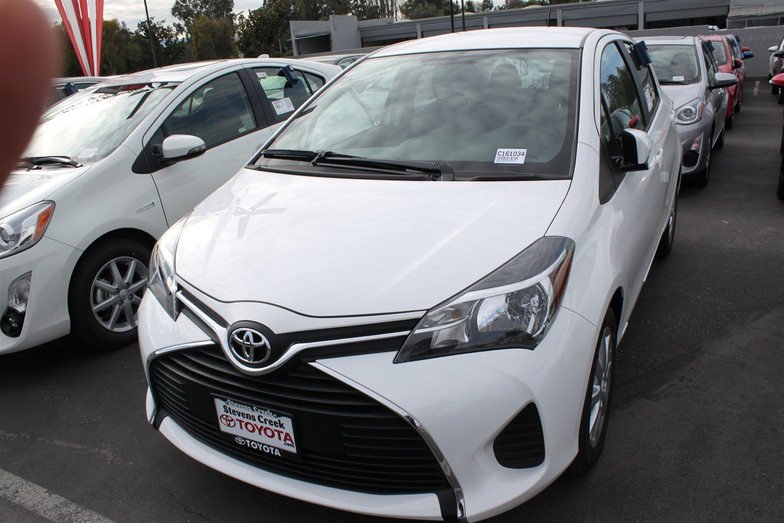New 2016 Toyota Yaris LE